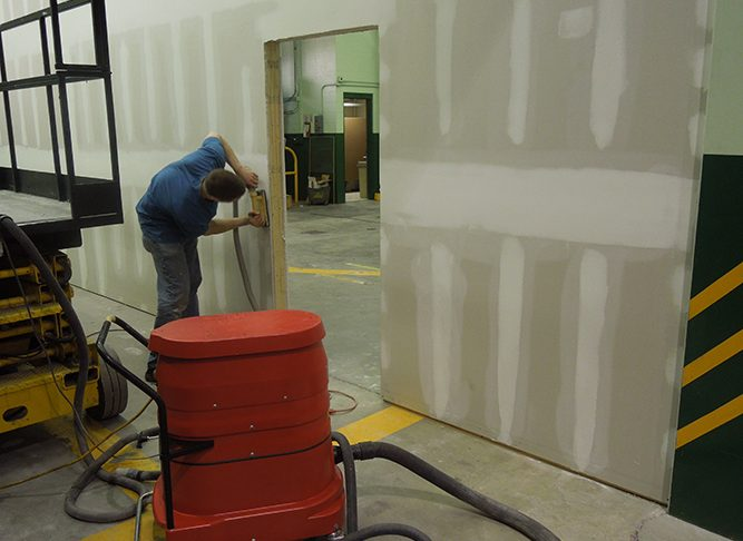 WS2220 w/ Hand Wall Sander In Action Dry Wall Sanding