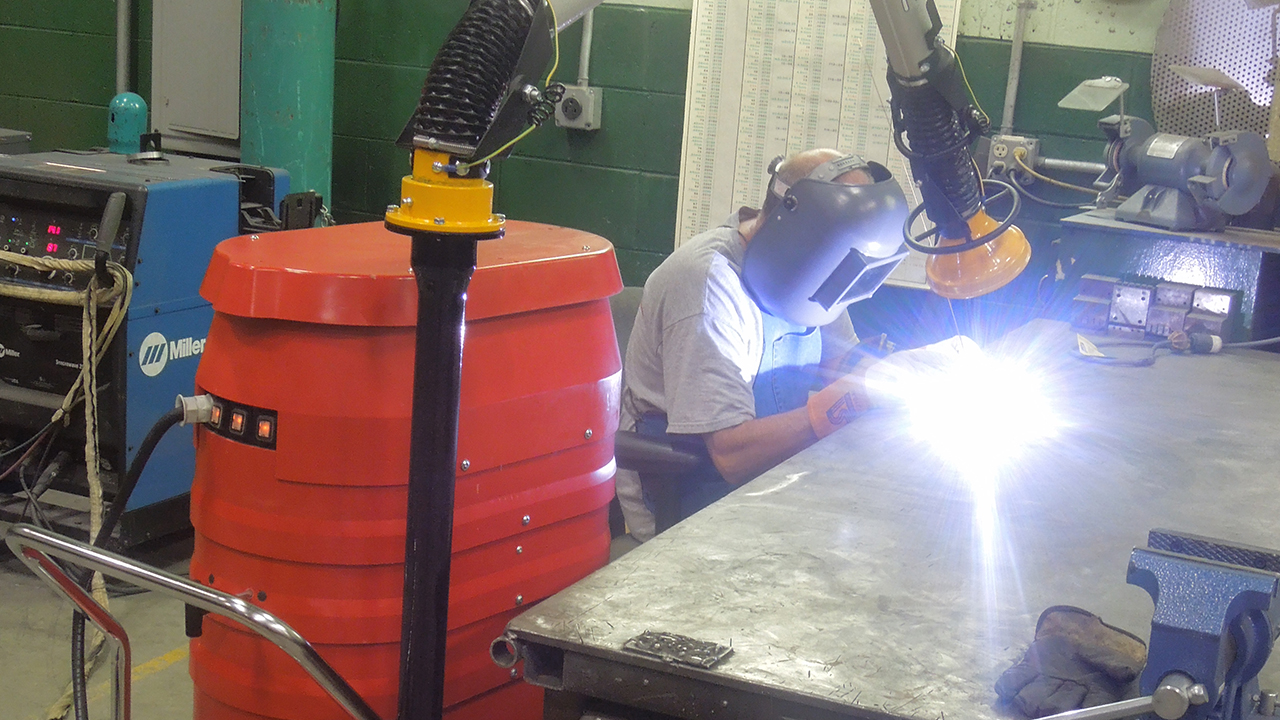 WS2320-HD Portable Industrial Vacuum In Action Welding