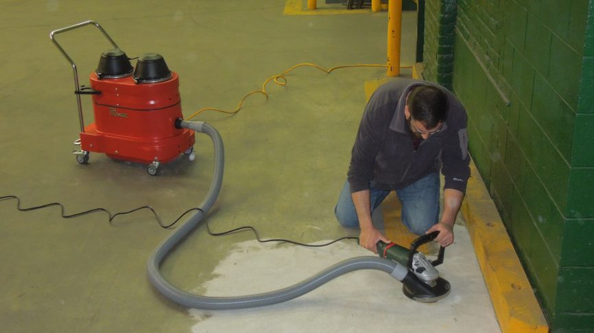 WNS2220 Portable Industrial Vacuum w/ Hand Grinder